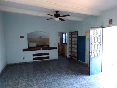 T/casa, Dos Plantas, C/garaje, Patio, Iluminada, Al Fondo.