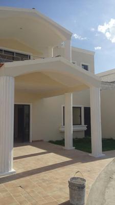 Hermosa Residencia Con Alberca En Torreón