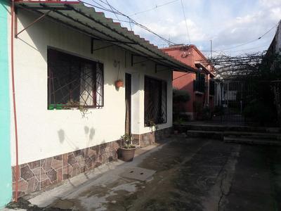 Venta Casa 2 Dormitorios La Paz A Dos Cuadras De La Plaza