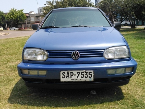 Volkswagen Golf Sedan 4 Puertas