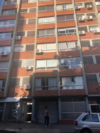 Dueño, Cordon, 2 Dormitorios, Super Luminoso