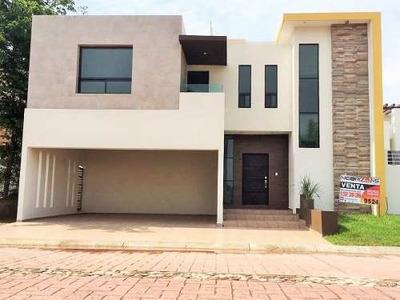 Residencia Nueva En Venta. Fracc. Náutico, Altamira, Tam.