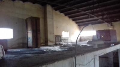 Galpòn Alto, Piso Fuerte , Portòn Entrada 5,5 M Prox Centro