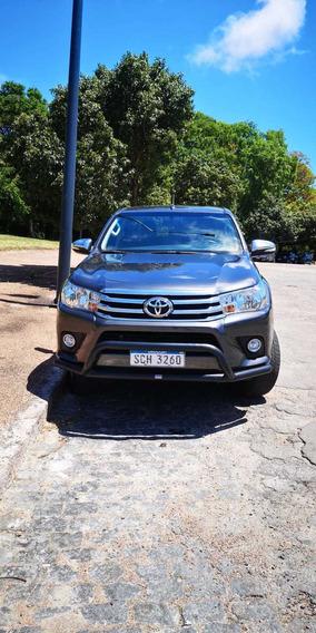 Toyota Hilux 2.7 Srv 4x4 Nafta - 2017