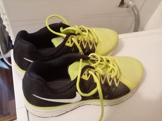 Calzado Deportivo Nike. Modelo; Vomero 9.