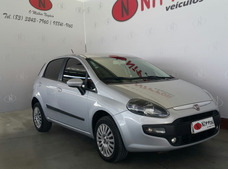 Fiat Punto 1.4 Attractive 8v Flex 4p Manual