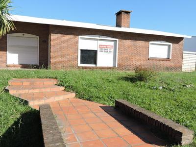 Casa 3 Dormitorios En Nueva Helvecia