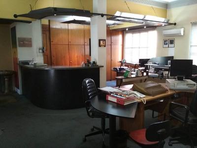 Alquiler De Oficina En Ciudad Vieja Frente Al Puerto