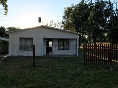 Casa De 2 Dormitorios Y 1 Baño A 2 Cuadras Del Mar.