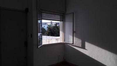 Alquiler 2 Dormitorios A 2 De Av. Italia Buceo