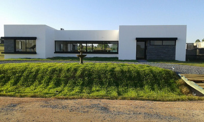 Excelente Casa 4 Dormitorios Piscina - Nueva A Estrenar