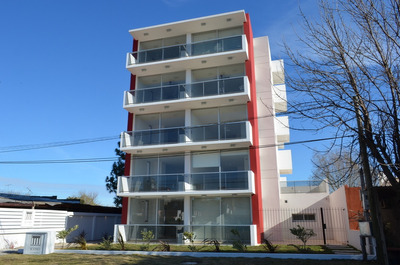 Apartamento En Edifico Icono Avenida, Carmelo