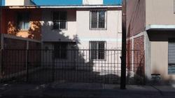 Casa Centrica En Colonia Tranquila