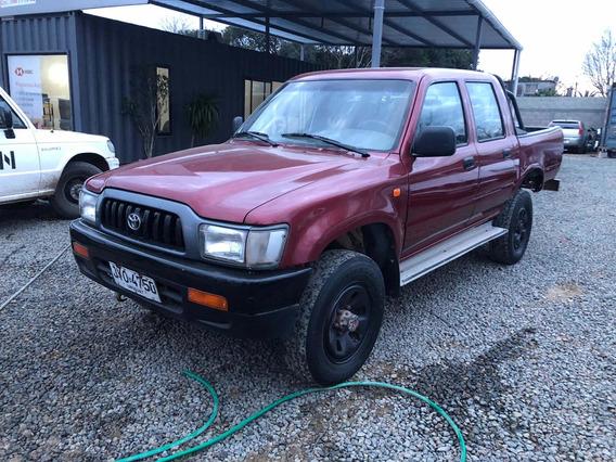 Toyota Hilux 2.8 D/cab 4x4 D Dlx 2000