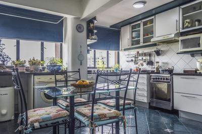 Apartamento De 2 Dormitorios Y Cochera En Buceo.