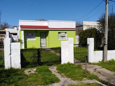 Casa En Exelente Zona De Paso De La Arena.