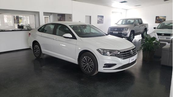 Volkswagen Vento Confortline Automático