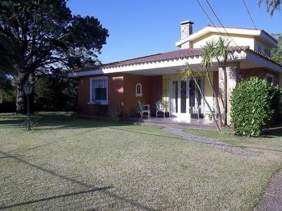 Casa Lagomar En Venta - De Los Eucaliptus Mnza. Solar: Y