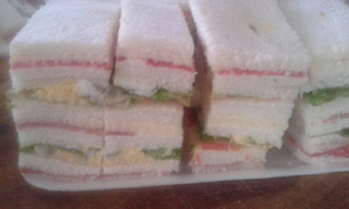 Lunch Sandwiches Pebetes Medialunitas Empanaditas