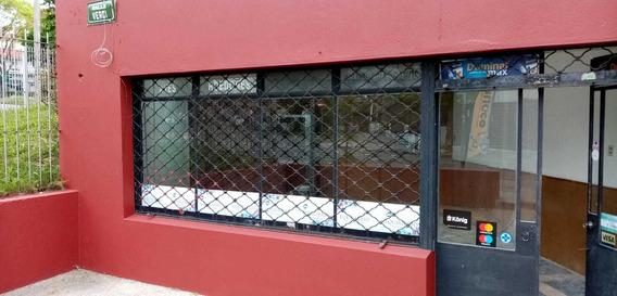 Local Amplio - 3 Boxes/office + Salon. Vidriera.
