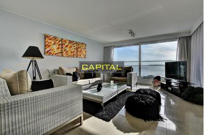 Apartamento Moderno Playa Mansa - Alexander Collection - Ref: 27125