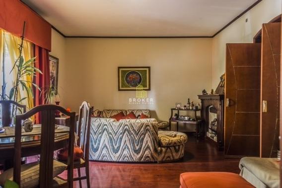 Apartamento De 2 Dormitorios+servicio Pocitos 102m2!
