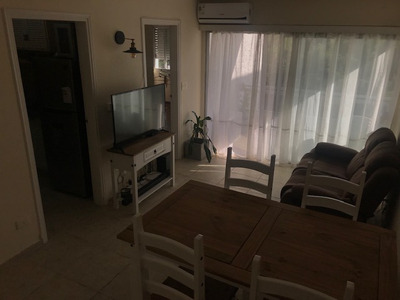 Vendo Apartamento 2 Dorm Sobre Av Rooselvet Parada 9