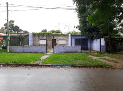 Casa De 2 Dormitorios En Alquiler En Colón