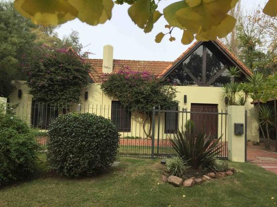 Casa De Diseño Único Con Fondo A Lago Privado Parq Miramar