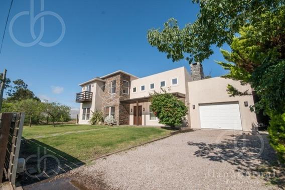 Casa En Punta Del Este, Pinares, 5 Dormitorios , Piscina Climatizada, Barbacoa, Garaje..-ref:43235