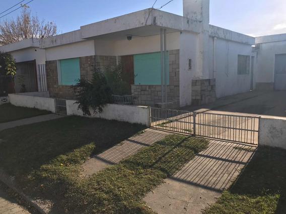 Excelente Casa En Santa Lucía