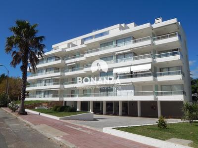 Apartamento En Alquiler, Piriápolis, A 50m De La Playa