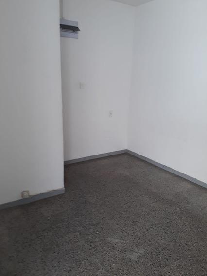 Apartamento De Un Dormitorio Con Baño Y Cocina Nuevo
