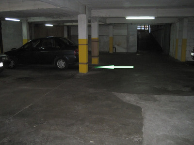 Amplia Cochera En Garage Techado. Zona Cordón