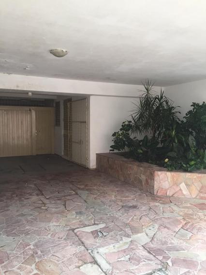 Gran Oportunidad A 1 Cuadra De La Plaza En Pleno $20.000