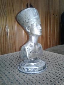 Adorno Vitrina Escritorio Antigua Figura Nefertiti En Metal