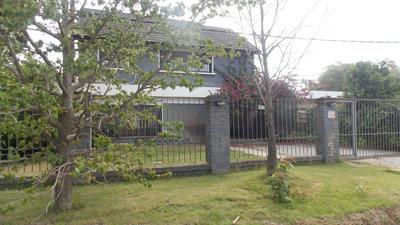 Preciosa Casa Para Una Familia Con Hijos, Piscina 10 M X 5!!