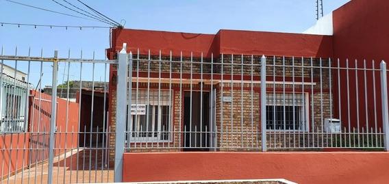 Dueño Vende Casa Con Apto En El Fondo. Acepto Banco