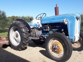 Tractor Ford 1953