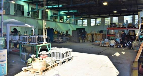 Amplio Local Industrial En Cno Maldonado Y Luis Braille