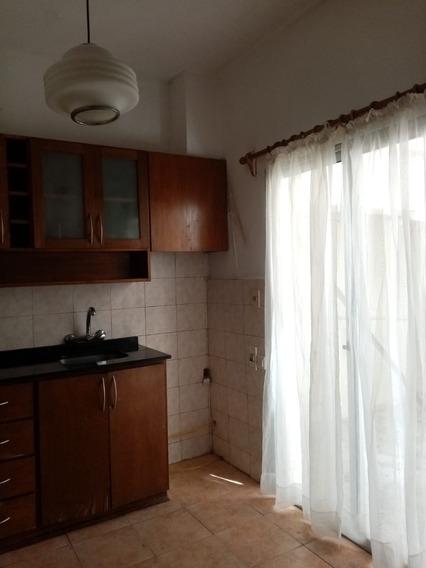 Casa En P.h .a Metros De Av. Italia,inmejorable Ubicación.