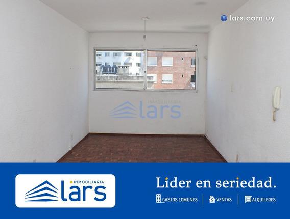 Monoambiente En Alquiler / Cordón - Inmobiliaria Lars