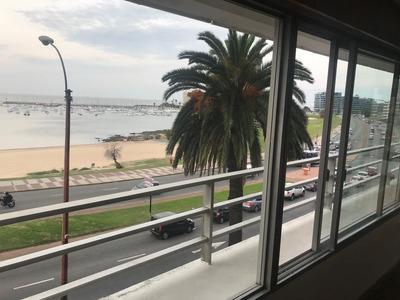Muy Buen Apartamento Con Vista Al Puerto Del Buceo