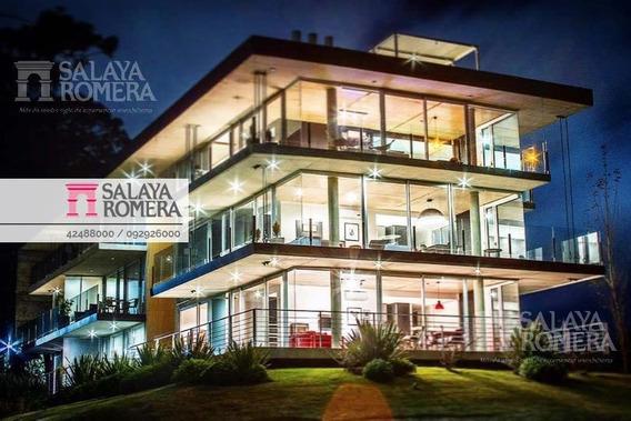 Venta Departamento En Punta Del Este, Mansa, 2 Dormitorios, Garaje, Cerca El Mar