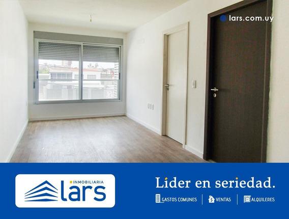 Apartamento En Alquiler / Parque Batlle - Inmobiliaria Lars