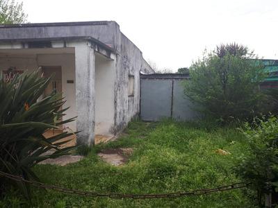 Casa Para Reciclar En Un Amplio Terreno Con Buena Ubicación