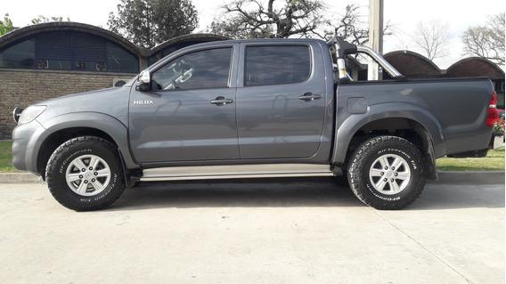 Vendo Toyota Hilux 2.7 Nafta 2014