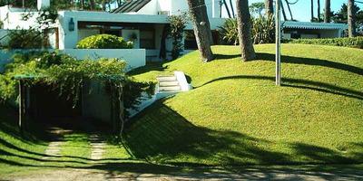 Casa 3 Dormitorios, 3 Baños, Piscina 9x4, Casa De Huéspedes