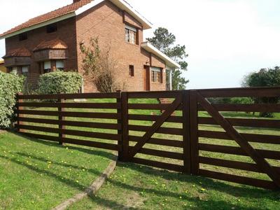Casa Con Vista Al Mar Y Cerros - Playa Grande-piriápolis