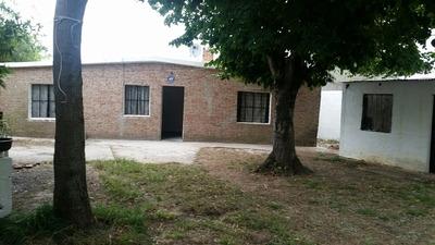 Casa De Un Dorm. Con Una Habitación Aparte En Amplio Terreno